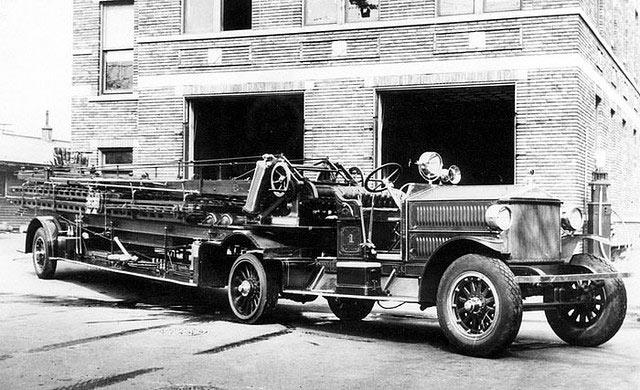1924 Ahrens-Fox 75-6-1