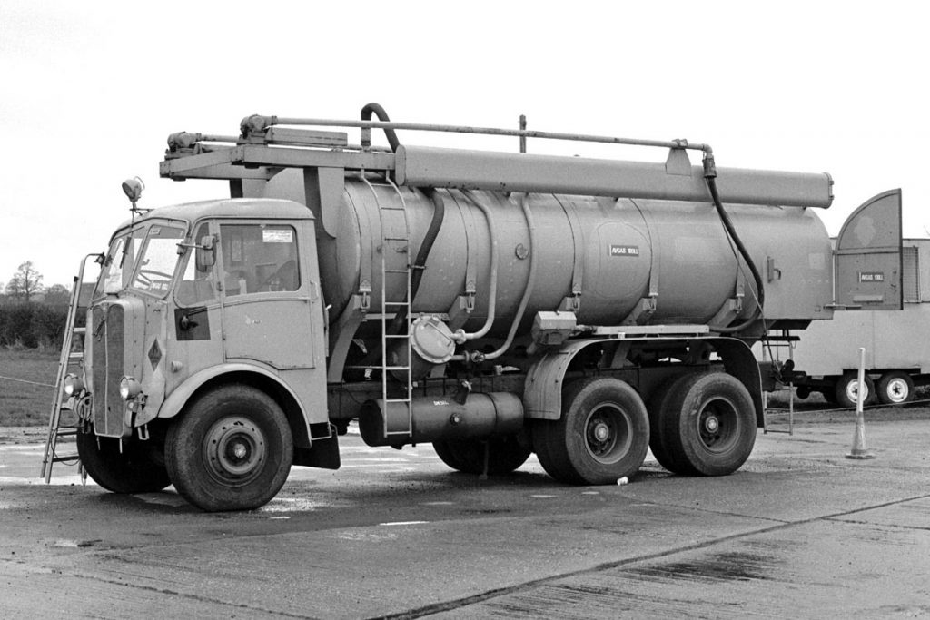 AEC Mammoth Major 6 / 8 MkIII ( model 3671/3871 )