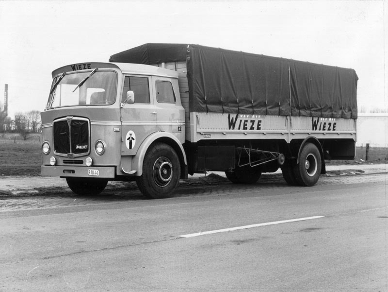 AEC Mandator ( model G4 ) later version