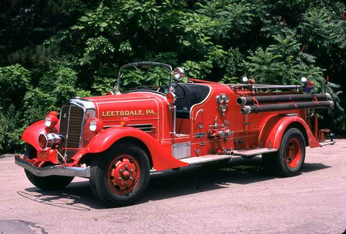1937 Ahrens-Fox V-C