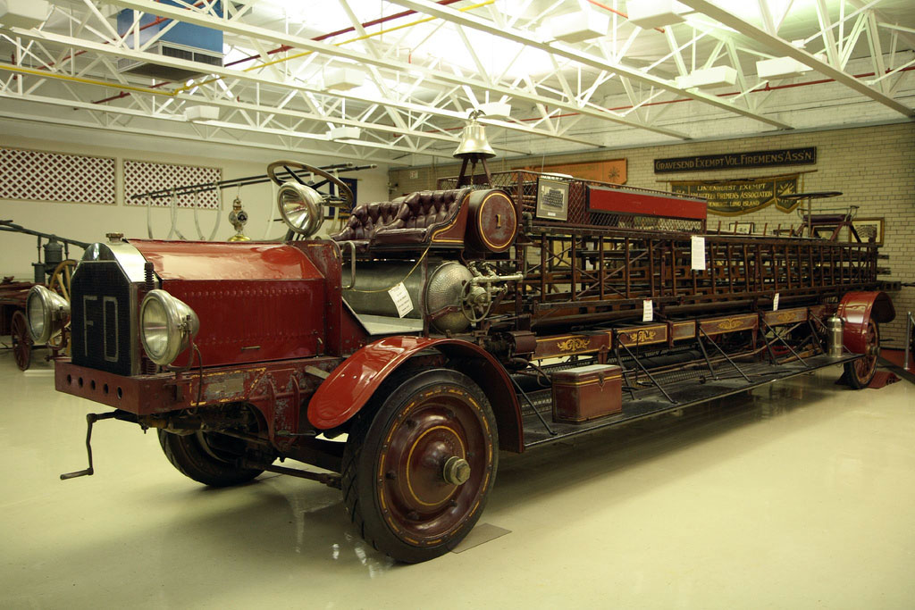 American LaFrance Type 33