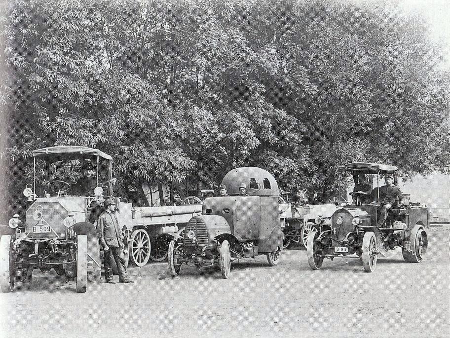 From left to right: Austro-Daimler M06, Panzerwagen, 18/20PS