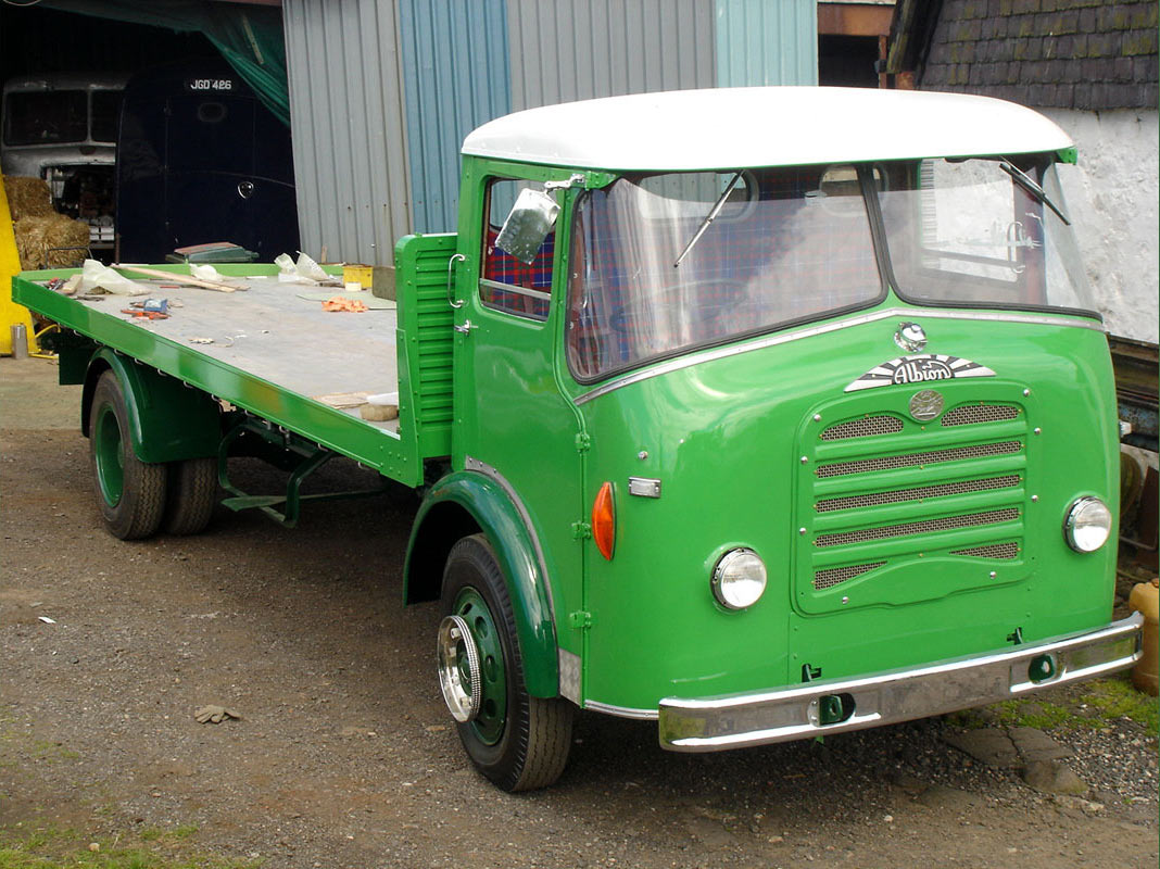 Albion Victor VT19N(HD) with Homalloy GRP cab